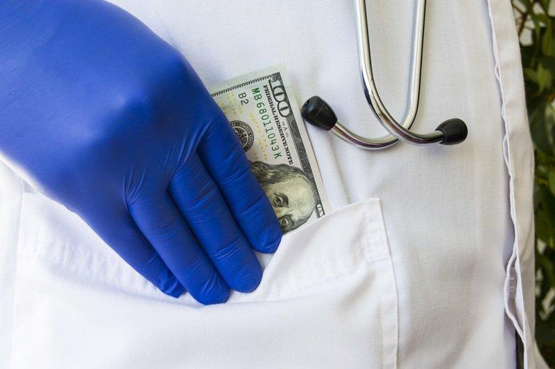 How the Healthcare Industry Can Battle Rising Costs 2 dochidingmoneymoney